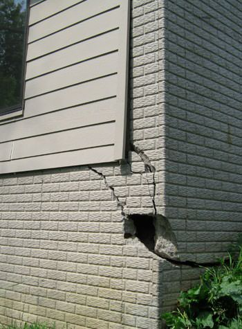 severe cracking of structural walls in Auburn