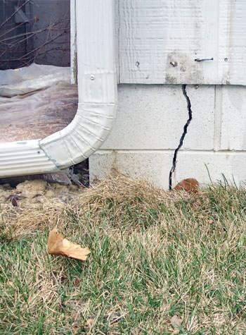 foundation wall cracks due to street creep in Potsdam